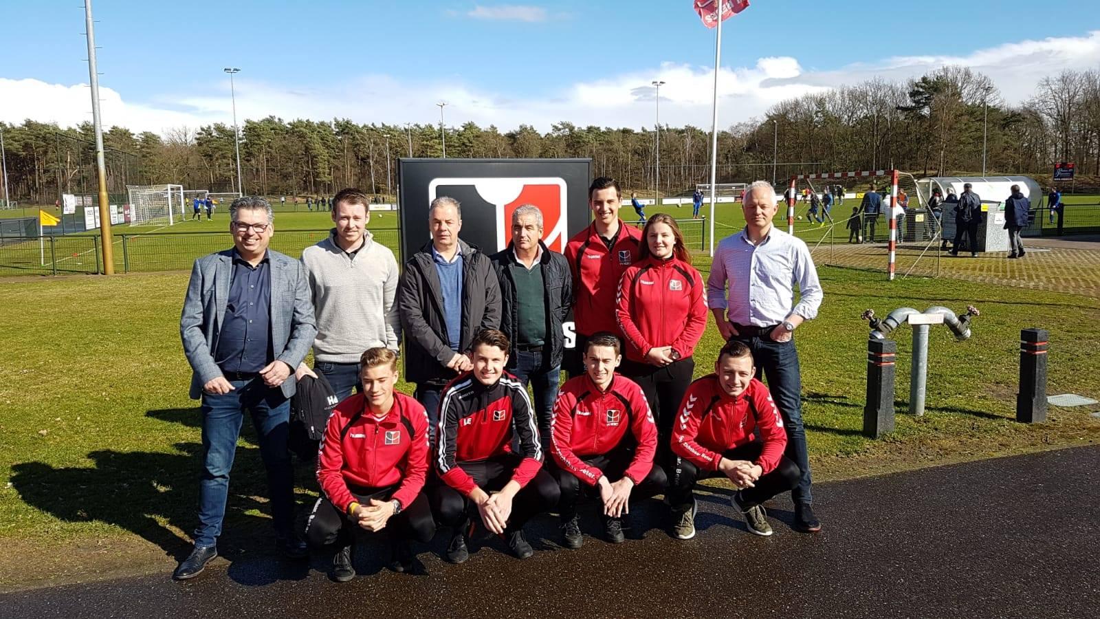 VV HEBES presenteert 8 nieuwe trainers!