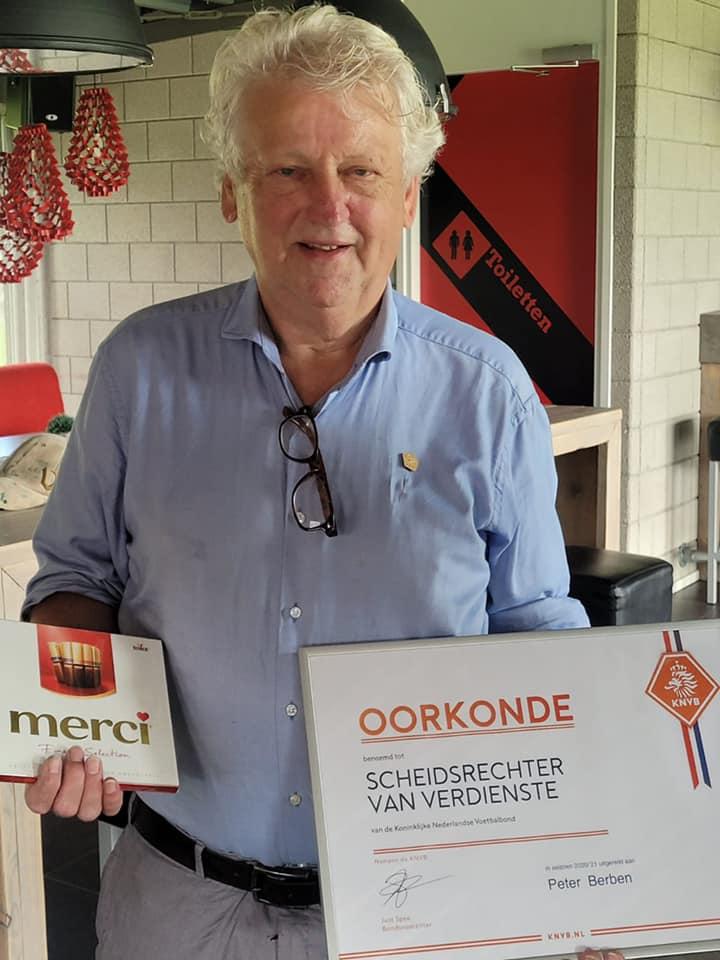 Peter Berben onderscheiden met het predicaat Scheidsrechter van Verdienste